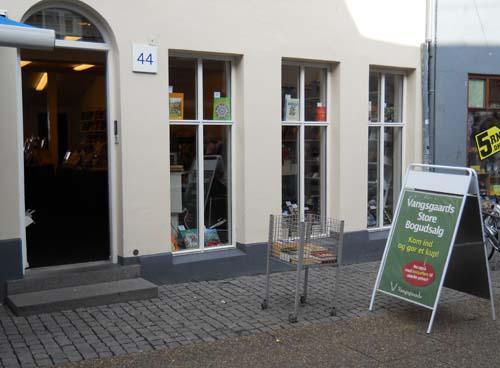 Boghandlere i Danmark - Vangsgaard. Henning Clausens Boghandel